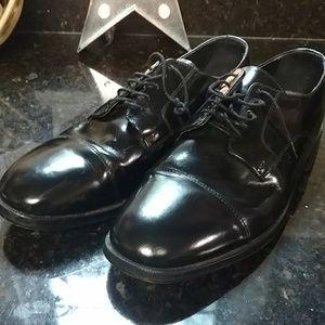 Nunn Bush men's leather dress shoes